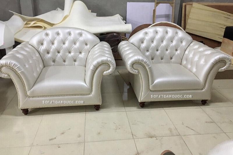 Ghế sofa đơn tân cổ điển bọc da mã 45