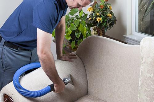 Bí quyết làm sạch ghế sofa nỉ bị bám bẩn 1