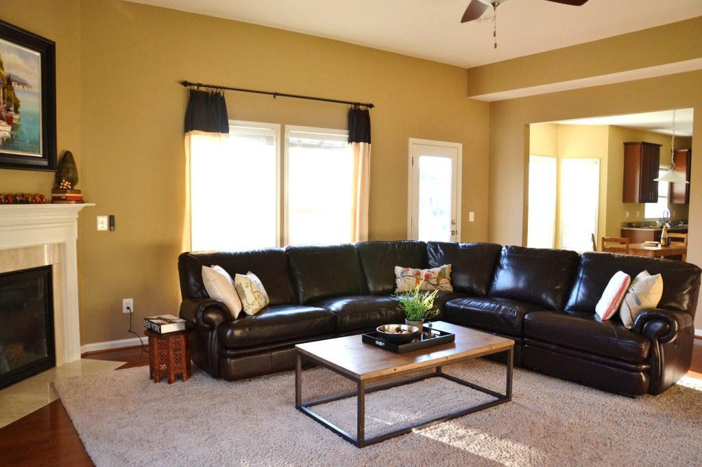 Nhà chung cư nên mua ghế sofa da hay sofa vải 1