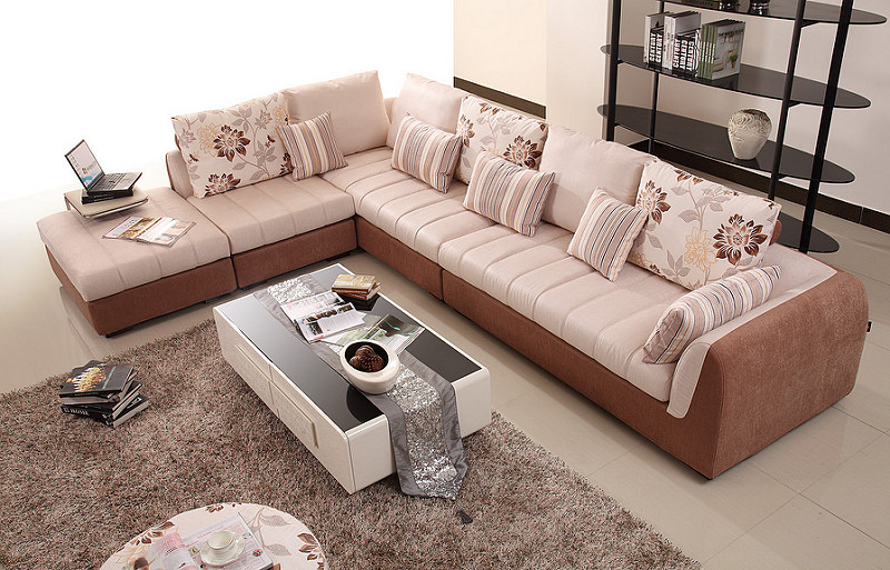 Nhà ở mặt đất có nên mua ghế sofa không?-1