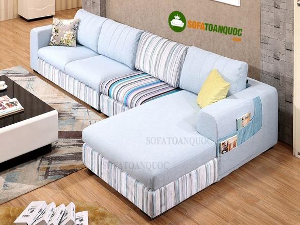 Sử dụng ghế sofa vải màu sáng khi bị bám bẩn có dễ làm sạch không?-1
