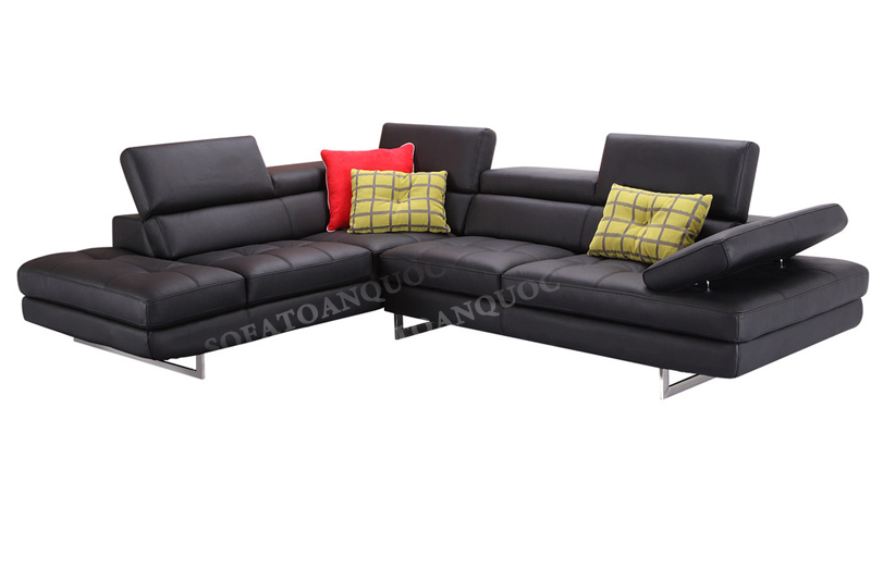 Sofa da màu đen cho phòng khách rộng