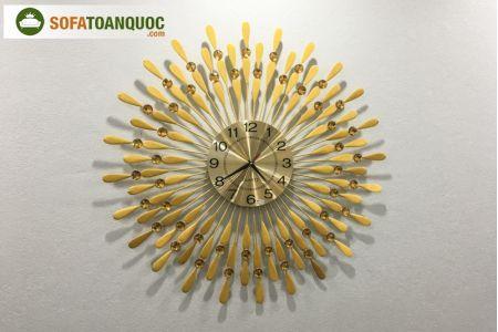 đồng hồ treo tường màu vàng