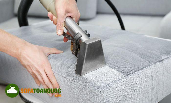 làm sạch sofa vải với baking soda