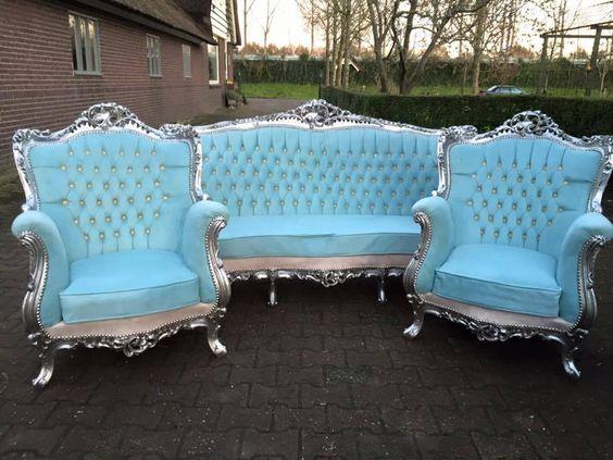 ghế sofa phong cách tân cổ điển màu xanh da trời