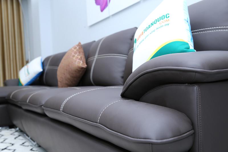 sofa góc màu nâu đen xọc trắng