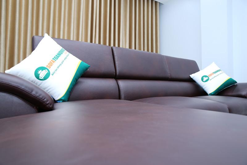 ghế sofa có tựa lưng gật gù