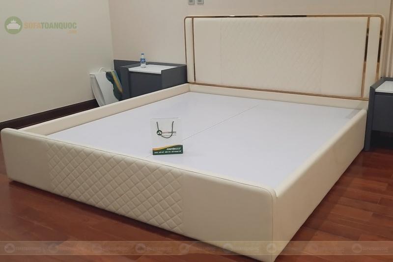 Giường ngủ bọc da mã 116