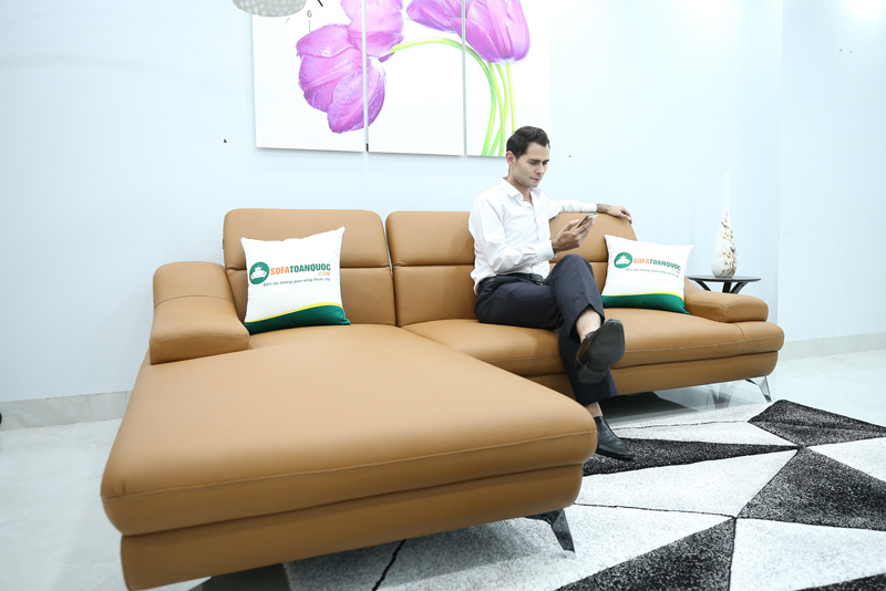 sofa góc trái chân inox màu nâu