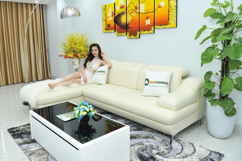sofa góc 2 chỗ màu trắng kem chân inox