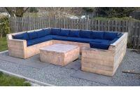 Ưu nhược điểm của sofa bằng gỗ pallet cho những ai đang tìm mua