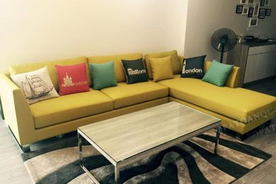 Ghế sofa màu vàng bọc vải mã 56 là kiểu dáng sofa khá đơn giản dành cho phòng khách
