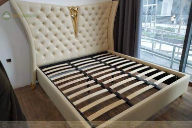 Giường ngủ da màu be 2400mm mã 79